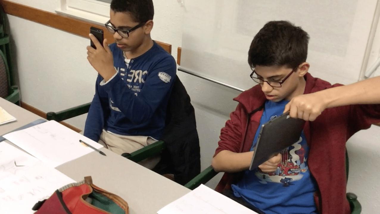 trio de smartphones