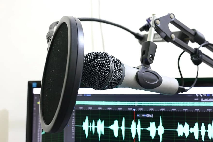 pour vous les non voyants : un micro ou un smartphone, un ordinateur et une formation, c'est tout ce qu'il vous faut pour réaliser vos podcasts